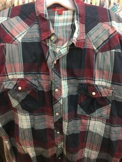 Short sleeve Arizona Jeans Co. snap button shirt