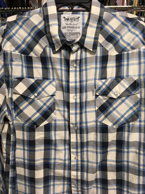 Long sleeve Levi Strauss & C0. western snap button shirt.