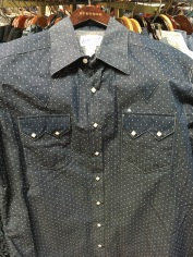 This was my favorite Rockmount Western shirt I found at F.M. Light and Sons. I like the pattern, sawtooth front pocket flaps and the signature diamond snaps.