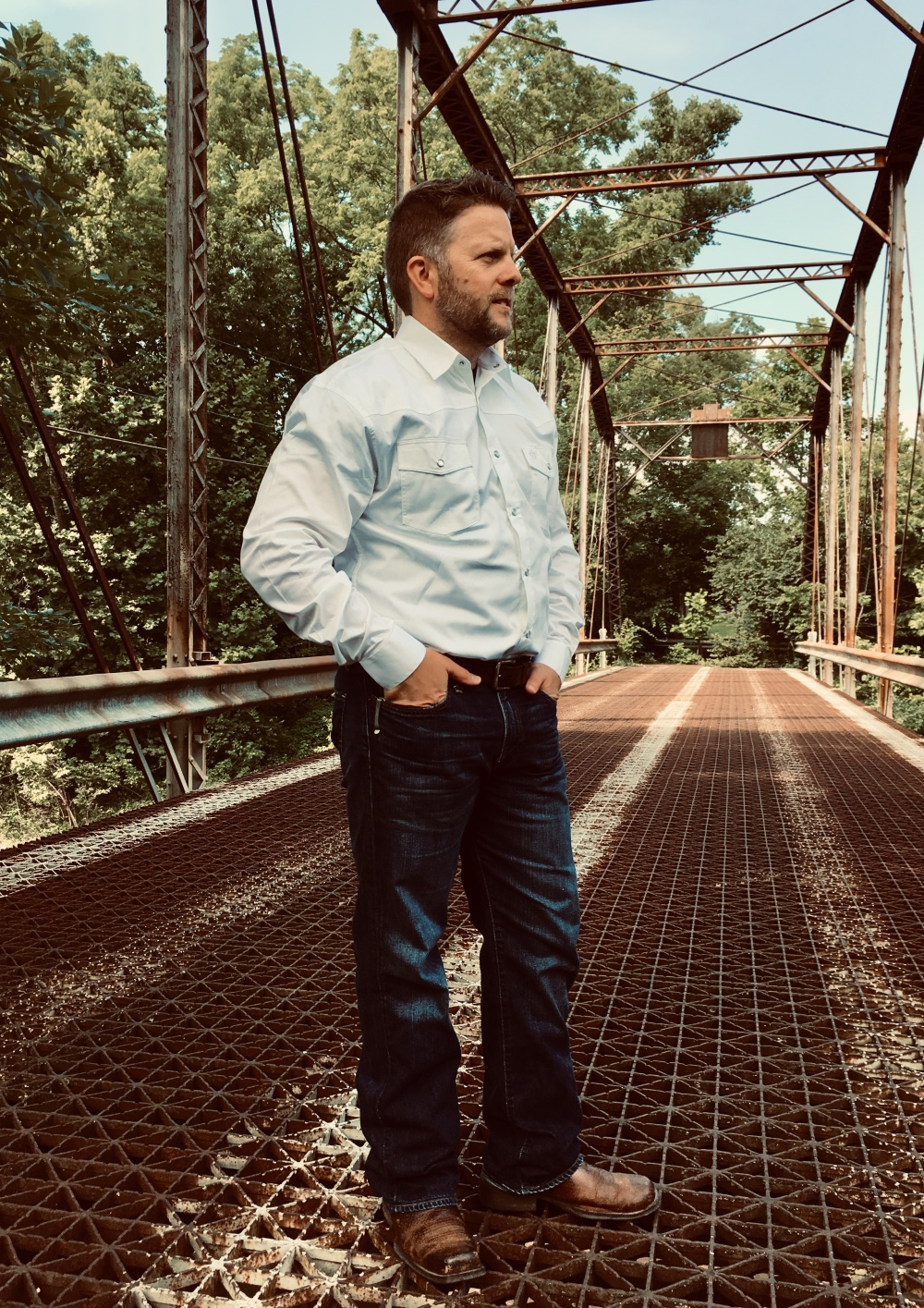 snap-button-shirt-guy-brigalow-country-western-white-shirt-01
