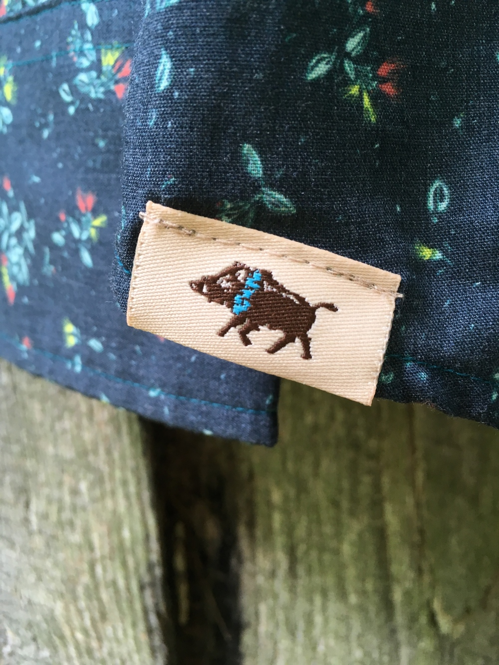 snap-button-shirt-guy-western-aloha-ohia-wild-boar-tag